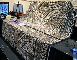 Two Grey Hills Rug Wins Indian Market Best Of Show Award