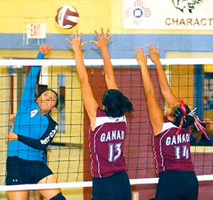 The Navajo Times Online - Old, new names among Ceremonial champs
