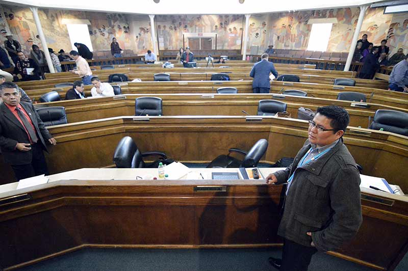 Council adjourns, passes bill reaffirming Shelly's presidency
