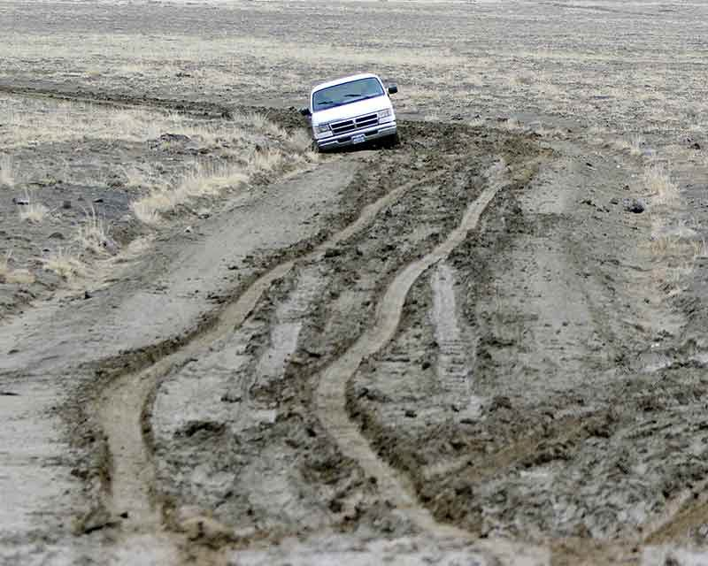 Snow, mud create treacherous conditions across rez - Navajo Times