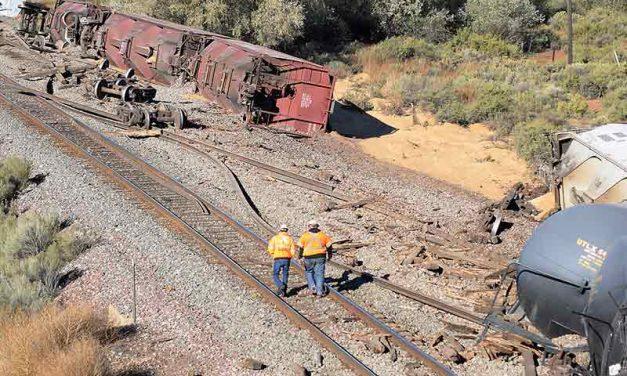 Gallup train derails