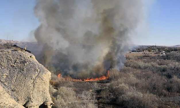 Brush fire burns in Shiprock