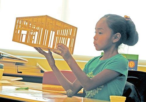 Naschitti Elementary School hosts first indigenous cultural exposé