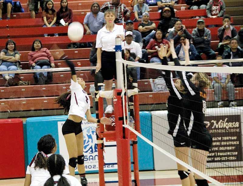 In roller-coaster season, Shiprock nails Aztec