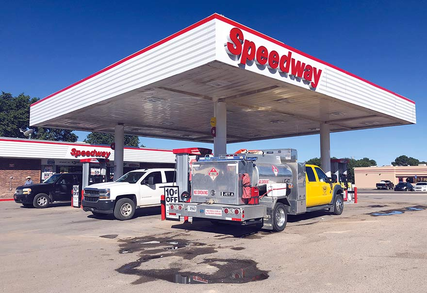 Giant stores converting to Speedway