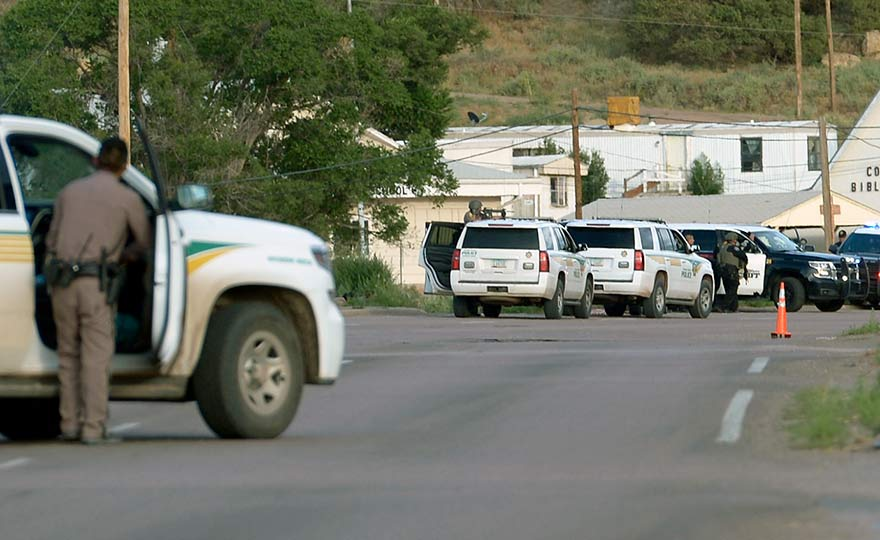 Police Chase Ends In Standoff In Tse Bonito