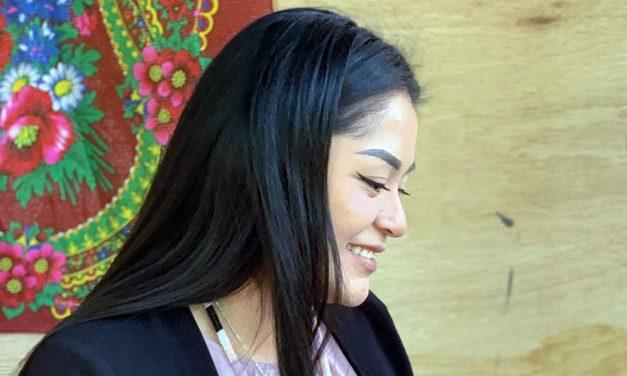 Navajo-Hopi woman honors both cultures