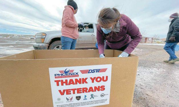 Nonprofits help distribute food boxes to Navajo vets