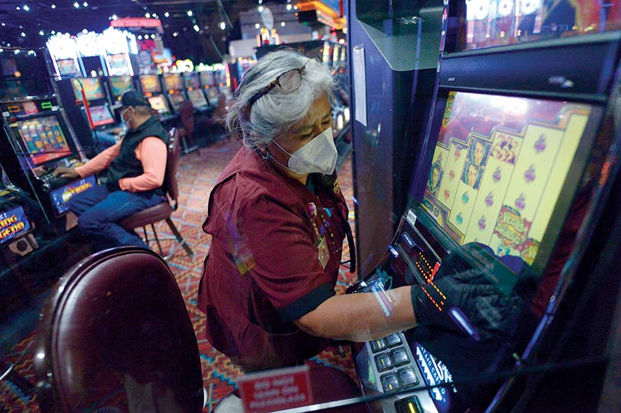 Casinos reopen as new virus cases dwindle