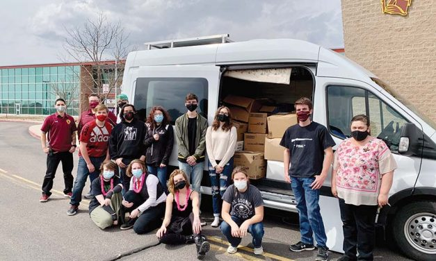 Colorado teens donate 1,700 books to Nation