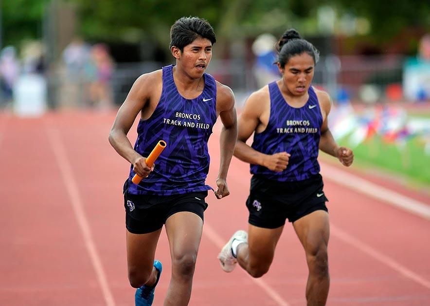 KC boys win gold in 4×100 race