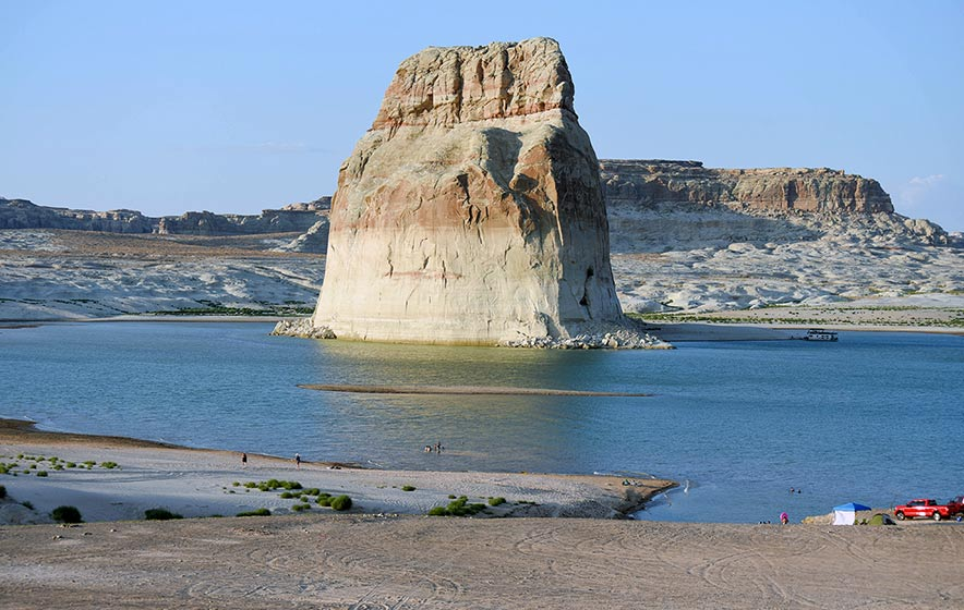 Lake Powell sees decreasing levels as drought continues
